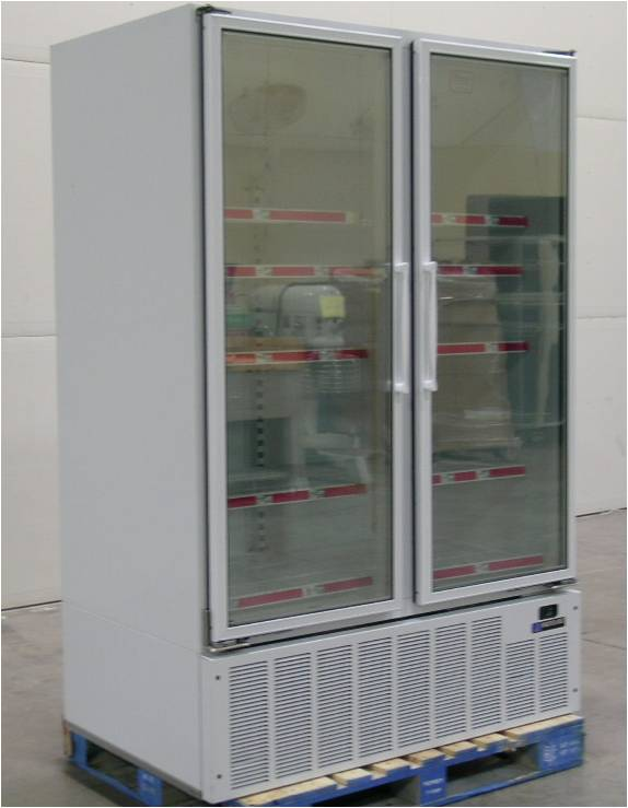 Master-Bilt BLG-48HD 2 Glass Doors Freezer